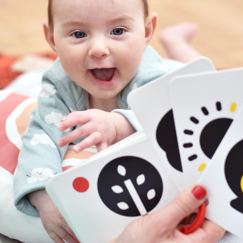 czarno biała książeczka dla niemowlaka