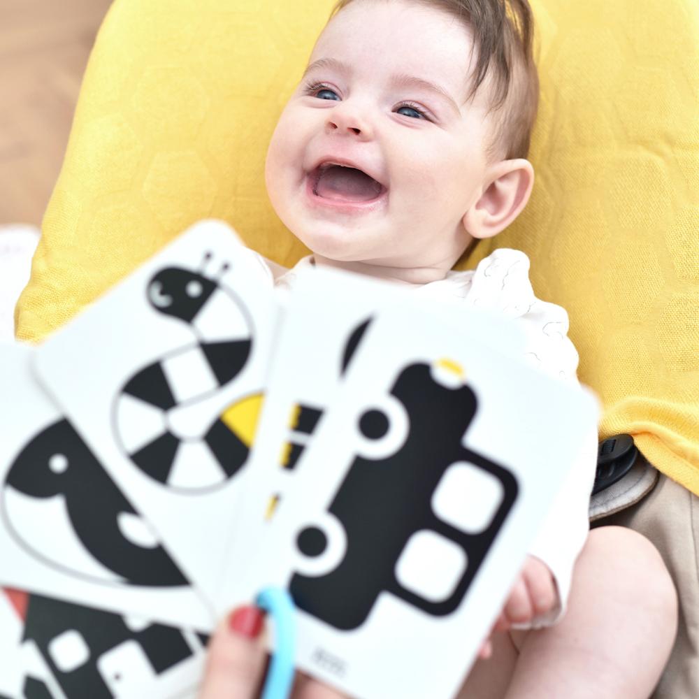 Zabawa z Kartami kontrastowymi dla niemowląt