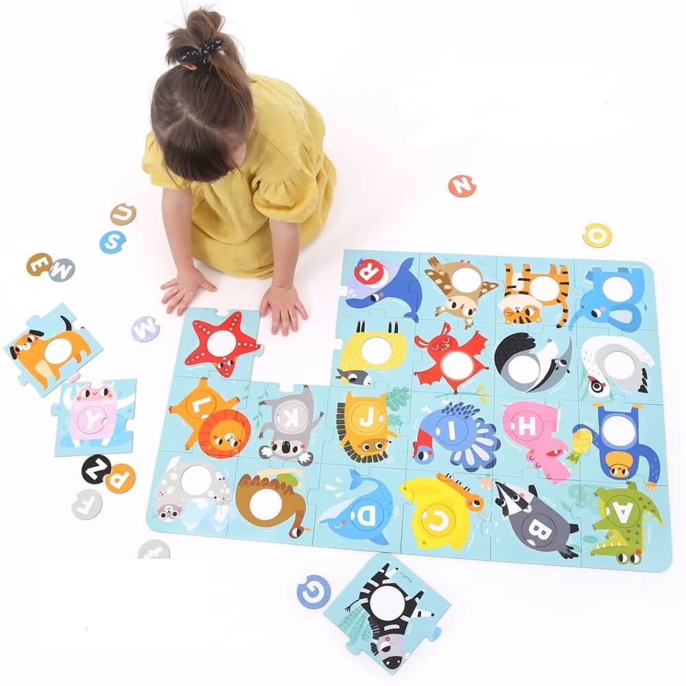 Artykuł Literkowe zabawy - Duuuże Puzzle Alfabet - duza podlogowa ukladanka dla dzieci 3+