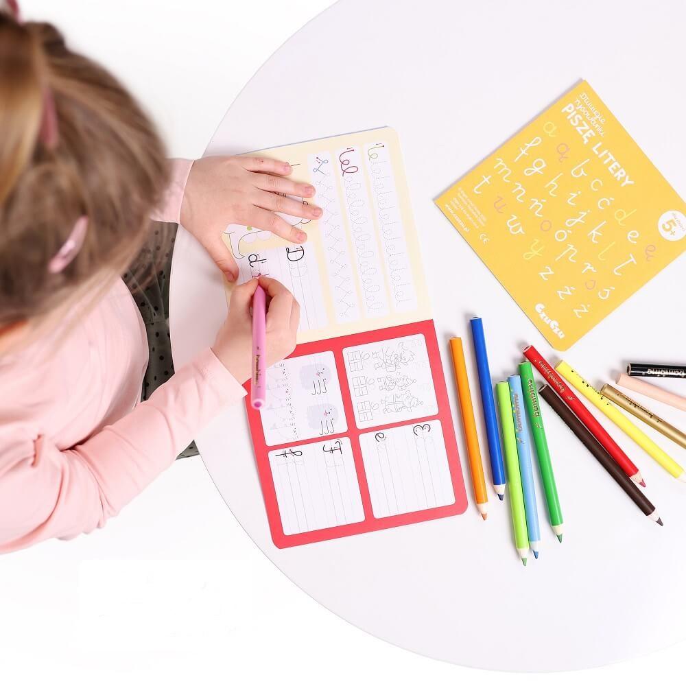 Artykuł Literkowe zabawy - Dłuuugie rysowanki Litery - kolorowanka nauka liter